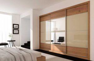 Armarios a medida vidrio beige con melamina diseño Fresno marrón, Serie Slim