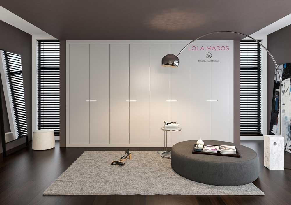 Puertas abatibles lacado gris claro y blanco con forma fresada en la puerta en blanco laca, plegable o abatible
