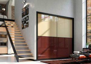 Armario empotrado de puertas correderas a medida vidrio beige con vidrio chocolate, perfil en negro Serie Slim