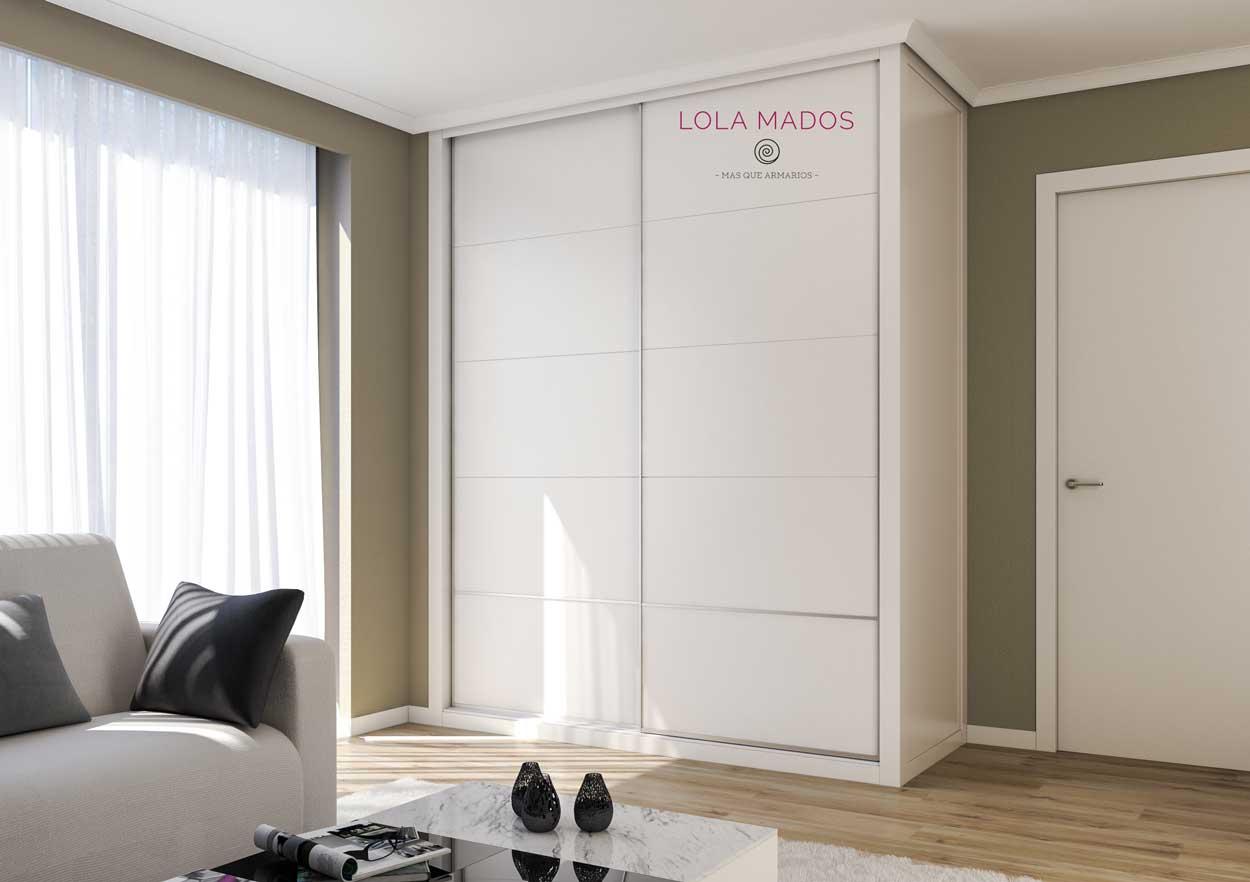 Armario empotrado blanco lacado de puertas correderas, ranuras con 1 H inferior en plata