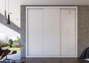 Armario de puertas correderas a medida, Serie Lite sin perfiles en la puerta, diseño minimalista, dibujo pantografiado de flor