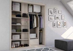 Interior armario empotrado para 2 puertas correderas, con forrado de pilar central