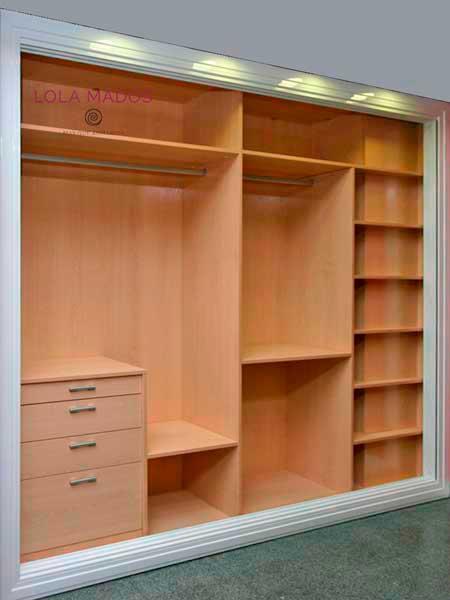 interior armario con cajones ciegos con tirados