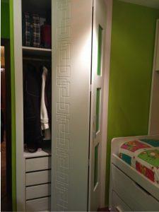 Puertas plegables lacada blanca con vidrio verde