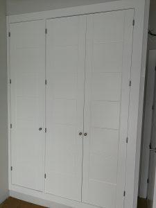 Armario puertas abatibles lacado blanco